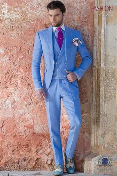 Light blue italian men suit in linen for spring summer wedding - ottavio nuccio gala Blue Wedding Suit Groom, Vintage Wedding Suits, Mens Fashion Suits, Mens Suits, Summer Wedding Menswear, Italian Men, Linen Suit, Paisley, Mario