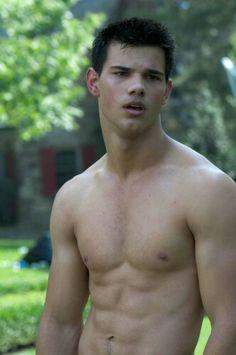 Taylor Lautner oooohhh damn