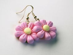Cute Polymer Clay, Polymer Clay Flowers, Fimo Clay, Polymer Clay Projects, Polymer Clay Charms, Polymer Clay Creations, Polymer Clay Jewelry, Diy Clay Earrings, Clay Design