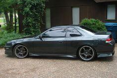 My 2nd favorite car, Honda prelude (;