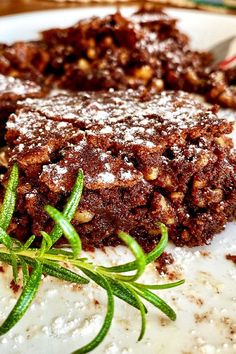 These air fryer oven brownies are a quick and easy dessert recipe! Bake the best air fryer brownies using baking chocolate, vanilla, walnuts, and powdered sugar to create soft and gooey brownies. You will love baking this dessert for your friends and family! Air Fried Food, Air Frier Recipes, Summer Drink Recipes, Food Wishes, Air Fryer Recipes Easy, Star Food, Recipe Directions, Food Reviews, How Sweet Eats