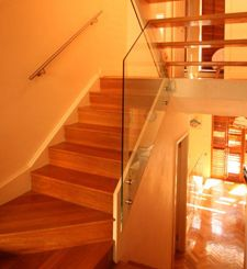 Glass balustrade are likewise known for their propensity to be cleansed very quickly due to the shiny surface.