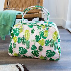 Tropical Green Background And Flamingos Weekender Bag Travel Duffel Bag for Weekend Overnight Trip