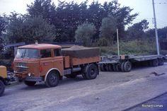 SKODA Vintage Cars, Antique Cars, Volkswagen Group, Old Trucks, Eastern Europe, Czech Republic, Techno, Vehicles, Sweden