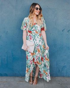 Keep calm in palm fronds. Soakin' in every last bit of summer with @lindsaybersane's tropical-inspired look. #regram