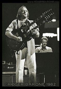 Stephen Stills Rock Music, Live Music, My Music, Best Music Artists, Crosby Stills & Nash, Stephen Stills, Laurel Canyon, Guitar Players, Vintage Rock