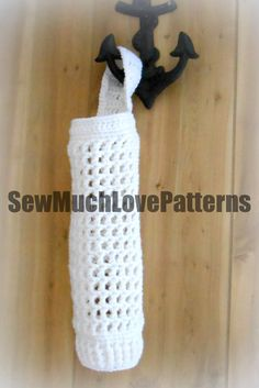 Ravelry: Grocery/Shopping Bag Holder pattern by April Hudson Crochet Kitchen, Crochet Home, Crochet Gifts, Easy Crochet, Knitting Projects, Crochet Projects, Plastic Bag Holders, Plastic Bags, Plastic Spoons