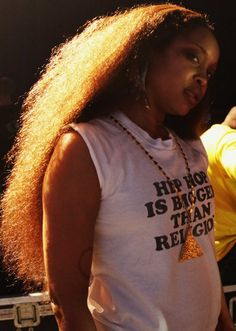 Erykah Badu Like her hair, but not the shirt Free Black Girls, Black Women, African American Hairstyles, African American Women, Hood Girls, Neo Soul, Women In Music, Black Is Beautiful, Beautiful People