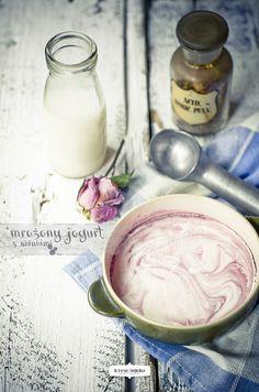 mrożony jogurt z wiśniami | Krew i mleko - kuchnia i fotografia