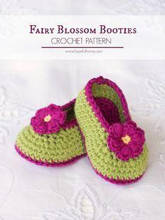 Hopeful Honey | Craft, Crochet, Create: Fairy Blossom Baby Booties - Free Crochet Pattern ✿⊱╮Teresa Restegui http://www.pinterest.com/teretegui/✿⊱╮