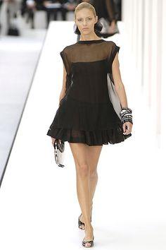 Chanel Spring 2007 RTW - Runway Photos - Vogue