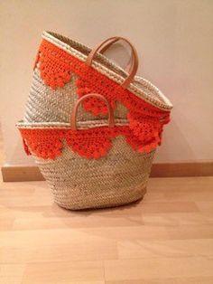 """Las bolsas mas cool para primavera y verano – """"La Casa y Cosas de Lau"""" Diy Tote Bag, Reusable Tote Bags, Painted Baskets, Diy Sac, Ethnic Bag, Boho Bags, Basket Bag, Summer Bags, Knitted Bags"""