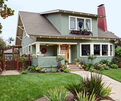 How to Pick the Perfect Exterior Color, According to Your Home's Style Tudor Style Homes, Cottage Style Homes, Craftsman Style Homes, Craftsman Bungalows, Craftsman Trim, Bungalow Exterior, Craftsman Exterior, Exterior Paint Colors For House, Paint Colors For Home