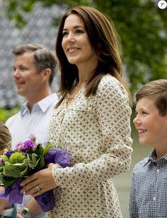 princesse Mary, prince Frederik avec le prince Christian
