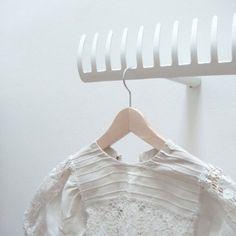 Clothes hook hanger