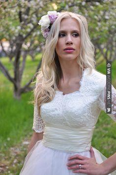 Cherry Blossoms Wedding  |  anna gleave photography l;ace | VIA #WEDDINGPINS.NET