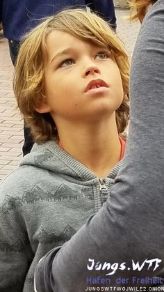 Cute Blonde Boys, Cute Emo Boys, Young Cute Boys, Cute Teenage Boys, Boy Haircuts Long, Little Boy Haircuts, Boy Hairstyles, Beautiful Children, Beautiful Boys