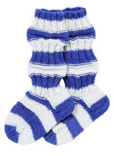 Train sock for baby. Knitting Socks, Hand Knitting, Owl Pillow, African Flowers, Baby Knitting Patterns, Handicraft, Knit Crochet, Punk, Sewing