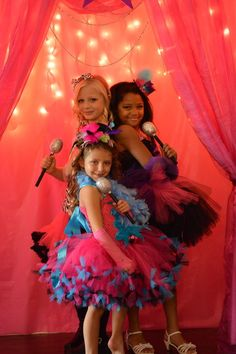 Natalie L's Birthday / Pop Star Birthday - Photo Gallery at Catch My Party Diva Birthday Parties, Dance Party Birthday, Mouse Parties, 9th Birthday, Birthday Ideas, Disco Party, Pop Star Party, Rockstar Birthday, Karaoke Party