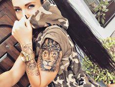 Tatoo lion tatouage couronne signification lion portrait tattoo roi lion avec couronne