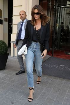 Black blazer / Street style fashion The Effective Pictures We Offer You About blue Blazer Outfit A quality picture can tell you many things. Outfit Jeans, Blazer Outfits Casual, Blazer Outfits For Women, Blazers For Women, Jean Outfits, Work Outfits, Black Blazers, Black Blazer Casual, Black Blazer Jeans