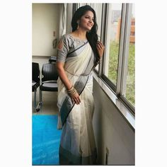 if you feel you cannot experiment much with short sleeve blouses, you need to think again. Opt for a cold shoulder or a crazy back neck blouse with short sleeves. It will look as good as with the long sleeve and sleeveless options that we normally choose. Cotton Saree Blouse Designs, Wedding Saree Blouse Designs, Best Blouse Designs, Simple Blouse Designs, Stylish Blouse Design, Neck Designs For Blouse, Saree Blouse Patterns, Sari Design, Designer Kurtis