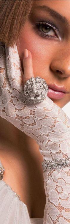 #glam #jewels #hair #beauty Lacy Dresses, Glamour Beauty, Keep It Classy, Style And Grace, Material Girls, Stylish Girl, Bliss, Opera, Gloves
