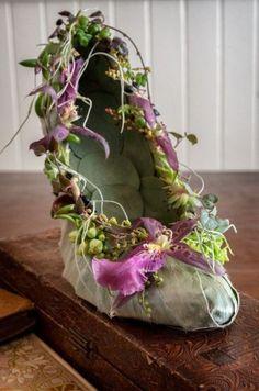 botanical shoe 1 Art of Weddings, Françoise Weeks Flower Shoes, Flower Dresses, Tutu Dresses, Muses Shoes, Costume Venitien, Fairy Shoes, Fairy Clothes, Fantasy Costumes, Fairy Costumes