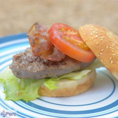 Looking for a great barbecue or skottelbraai recipe when your having vacation: this hamburger the luxe with bun will certainly be a great choice. Recipe in English
