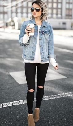 Light Jean Jacket Outfit Ideas Gallery fall is coming denim jacket roundup in 2019 trendy fall Light Jean Jacket Outfit Ideas. Here is Light Jean Jacket Outfit Ideas Gallery for you. Light Jean Jacket Outfit Ideas what to wear with your jean jac. Trendy Fall Outfits, Fall Winter Outfits, Winter Fashion, Summer Outfits, Unique Outfits, Stylish Outfits, Beautiful Outfits, Casual Outfits 2018, Outfits 2016