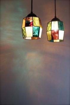 A beautiful chandelier, Home decoration, decorate the interior Stained Glass Lamp Shades, Stained Glass Light, Tiffany Stained Glass, Stained Glass Designs, Stained Glass Projects, Glass Art Pictures, Glass Ornaments, Mosaic Glass, Washi