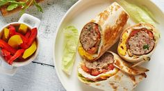 Tortilla plněná grilovaným mletým masem Mexican Food Recipes, Ethnic Recipes, Tacos, Tortillas, Roman, Mince Pies, Mexican Recipes