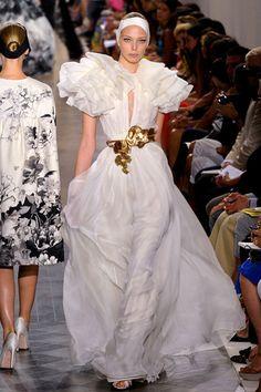 Giambattista Valli #couture #gown