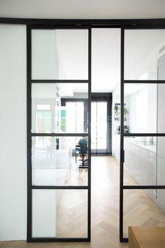 Sliding industrial doors. Femkeido | Femkeido Project: nieuwbouw Den Haag