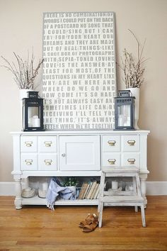 Love this stylish yet functional table in the entryway for storing essential bits and pieces