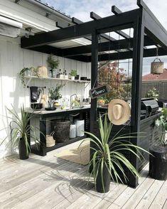 38 New Ideas Black Pergola Patio Outdoor Living Outdoor Rooms, Outdoor Gardens, Outdoor Living, Outdoor Decor, Outdoor Kitchens, Indoor Outdoor Kitchen, Backyard Vegetable Gardens, Outdoor Kitchen Design, Rustic Outdoor
