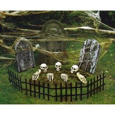 IDEAS & INSPIRATIONS: Indoor/Outdoor Halloween Yard Decoration - Outdoor Halloween Decorations