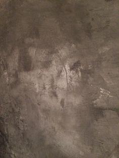 Concrete look stucco by L'Authentique Paints & Interior Interior Paint, Interior And Exterior, Feng Shui, Kitchen Hearth Room, Lime Paint, Paint Line, Patina Finish, Japanese Aesthetic, Annie Sloan Chalk Paint