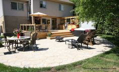 Deck with hot tub, an outdoor kitchen and a large dinning area. LED lights were installed in the steps and above the outdoor kitchen. Franklin Homes, Backyard Patio Designs, Building A Deck, Backyard Landscaping, Architecture, Outdoor Decor, Outdoor Projects, Outdoor Spaces, Led