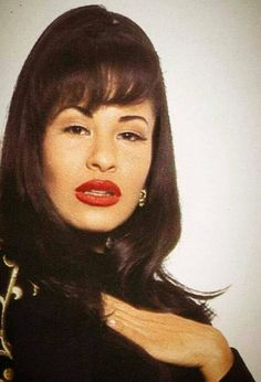 Selena Quintanilla Perez, Selena And Chris, Selena Selena, Best Party Songs, Mundo Musical, Jenni Rivera, Iconic Women, Aaliyah, Her Music