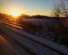 Winter wonderland #onthetrain #sunrise #winterwonderland #winter #snow #travelgram #vscocam #vscomania #vscotravel #travelling #landscape