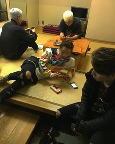 Find images and videos about bigbang, taeyang and seungri on We Heart It - the app to get lost in what you love. Daesung, Gd Bigbang, Bigbang G Dragon, Big Bang Memes, Big Bang Kpop, Bang Bang, Choi Seung Hyun, Yg Entertainment, G Dragon Instagram