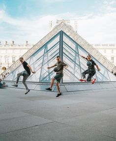 Wow look at marcus Twin Brothers, Louvre, Paris, World, Building, Travel, Life, Instagram, Mac