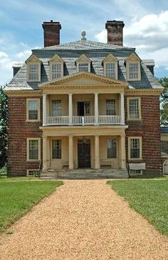 Old Southern Homes, Southern Plantation Homes, Southern Plantations, Southern Charm, Abandoned Houses, Old Houses, Shirley Plantation, Villas, Antebellum Homes