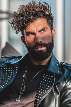 Curly Fringe ❤️ Wont to know how to get curly hair? From short to long curly hair men hairstyles you can find in this post! Long Curly Hair Men, Curly Hair Styles, Curly Hair Cuts, Curly Short, Short Hair, Smart Hairstyles, Trendy Mens Hairstyles, Haircuts For Men, Hairstyles Haircuts