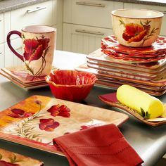Poppies Dinnerware Pier One I am looking for a Spring or summer set...think poppy is perfect for either !