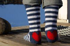 Sydämellistä pääsiäistä Art Textile, Textiles, Leg Warmers, Ravelry, Hand Knitting, Sailor, Needlework, Socks, Wool
