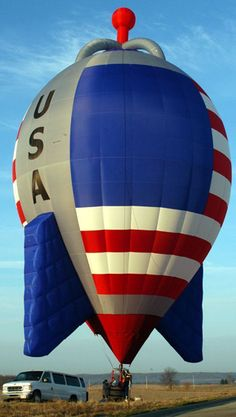 Hot Air Balloons - American Rocket - The Albuquerque International Balloon Fiesta, USA Air Balloon Rides, Hot Air Balloon, Albuquerque Balloon Fiesta, Air Balloon Festival, Big Balloons, Floating Balloons, Air Ballon, I Love America, Paragliding