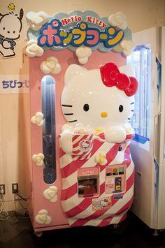 Hello Kitty Popcorn Machine ~ Funny!  #cute #kawaii #sanrio #hellokitty #popcorn