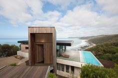 From a suspended cliff-top sanctuary in Victoria, to a natural swimming pool with a jetty in Sydney, these 10 amazing swimming pools have us dreaming of summer. Amazing Swimming Pools, Natural Swimming Pools, Awesome Pools, Architecture Company, Residential Architecture, Wood Architecture, Mcm House, Tiny House, Beachfront House